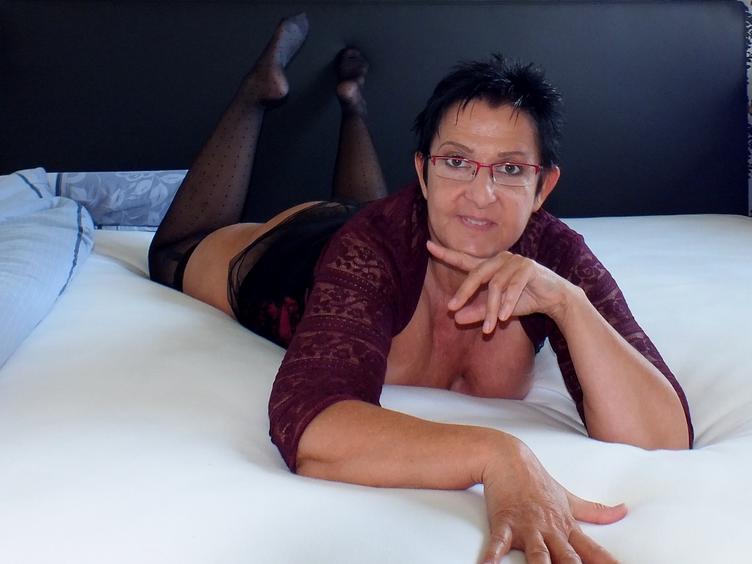 ein tag kein Sex gehabt ist ein langweiliger tag CurvyTina [cpb_autotext catalog=