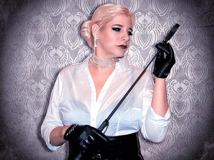 Liebe Jungs kommen in den Himmel, böse zur Lady Doro! Madame-Doro [cpb_autotext catalog=