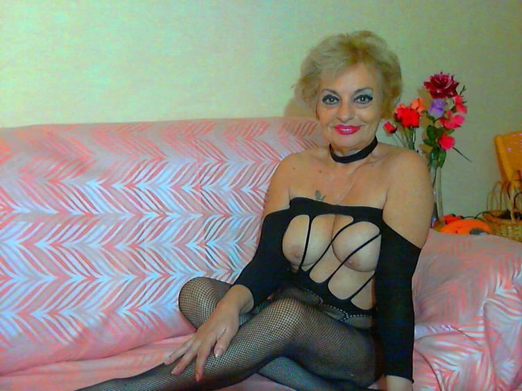 Hot und GEILE Lady DivaLavina [cpb_autotext catalog=