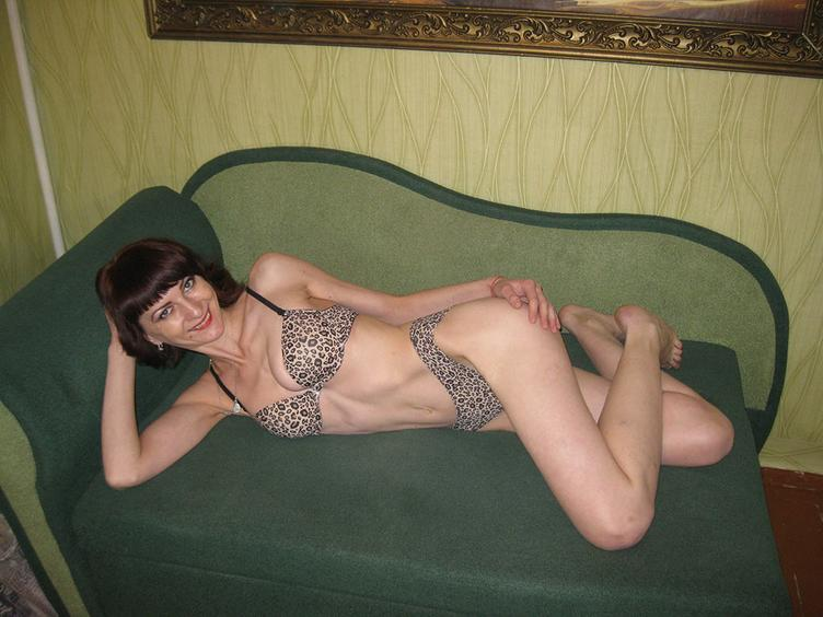 I am ready to share my hot fansy with you . Like my slim body? I would like to show it to you!!