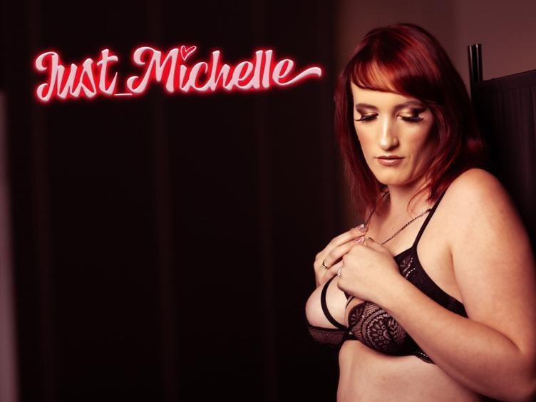 Hey  ich bin Michelle alias Just-Michelle, ich komme aus dem schönsten Bundesland der Welt und bin Erotik Model 🙂  ich liebe heiße Shootings und versaute Abende. Ich bin viel in Deutschland unterwegs und in allen möglichen Clubs anzutreffen 😉  Du willst mich kennenlernen? Dann tu den ersten Schritt und schreib mich an 🙂 ich denke du wirst es nicht bereuen 🙂  Auch kannst du mich meistens Vormittags und Abends ab 21.30 hier online sehen 🙂 Live und in Farbe. Ich erfülle dir in meiner Cam fast alle Fantasien 🙂  kommt rein und lass uns Spaß haben oder auch einfach nur quatschen  LG  Michelle und ein riesen fetter *Kuss*
