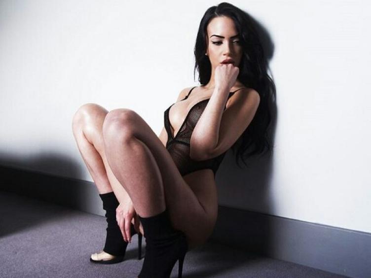SexyBellow [cpb_autotext catalog=