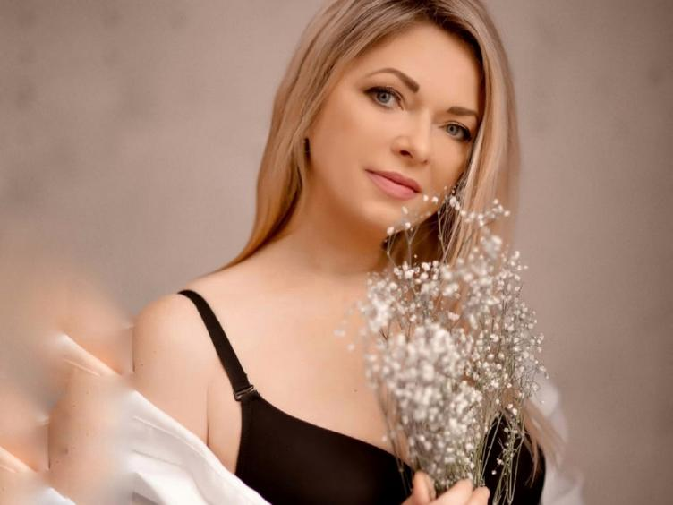 Hey! I am gorgeous girl who loves meeting new people. I am all about Fun and getting to know new people! KiraNiksy [cpb_autotext catalog=